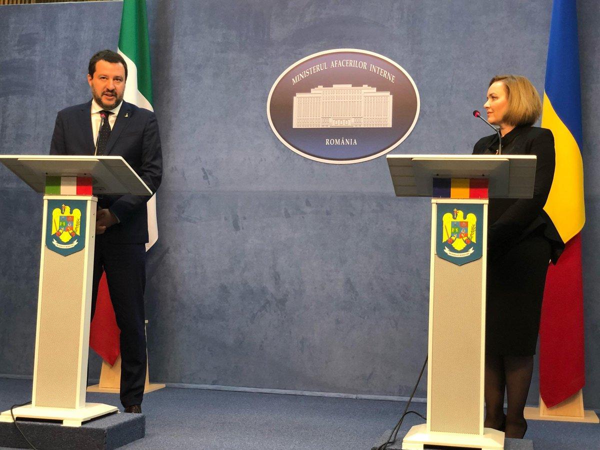 A #Bucarest con la collega Ministro dell'Interno Carmen Daniela Dan. Ho sottolineato che la comunità romena in Italia è di oltre un milione di persone, gli errori dei pochi che commettono reati non possono ricadere sulle spalle dei molti.