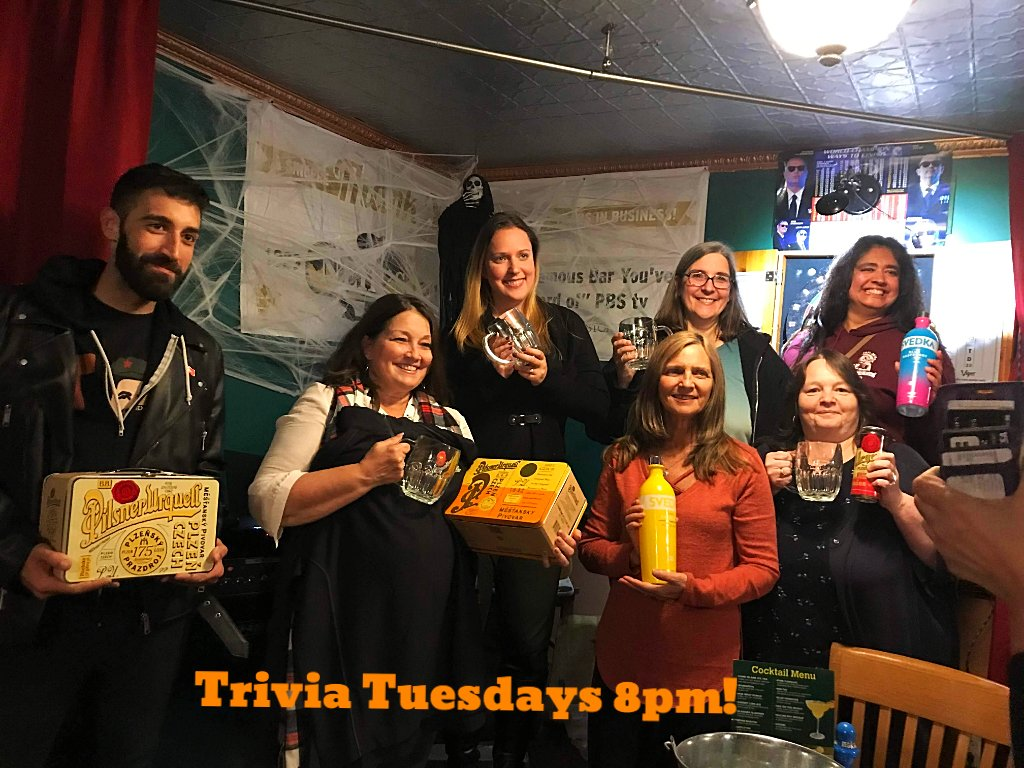Bar #BINGO was fun last week! So many Winners!! TONIGHT! Trivia 8pm but arrive early for FREE #bluepoint #Octoberfest tasting at  6pm-8pm! * * * #itsinqueens #neirs #pumpkin #halloween #trivia #queensnyc #nyc #woodhavennyc