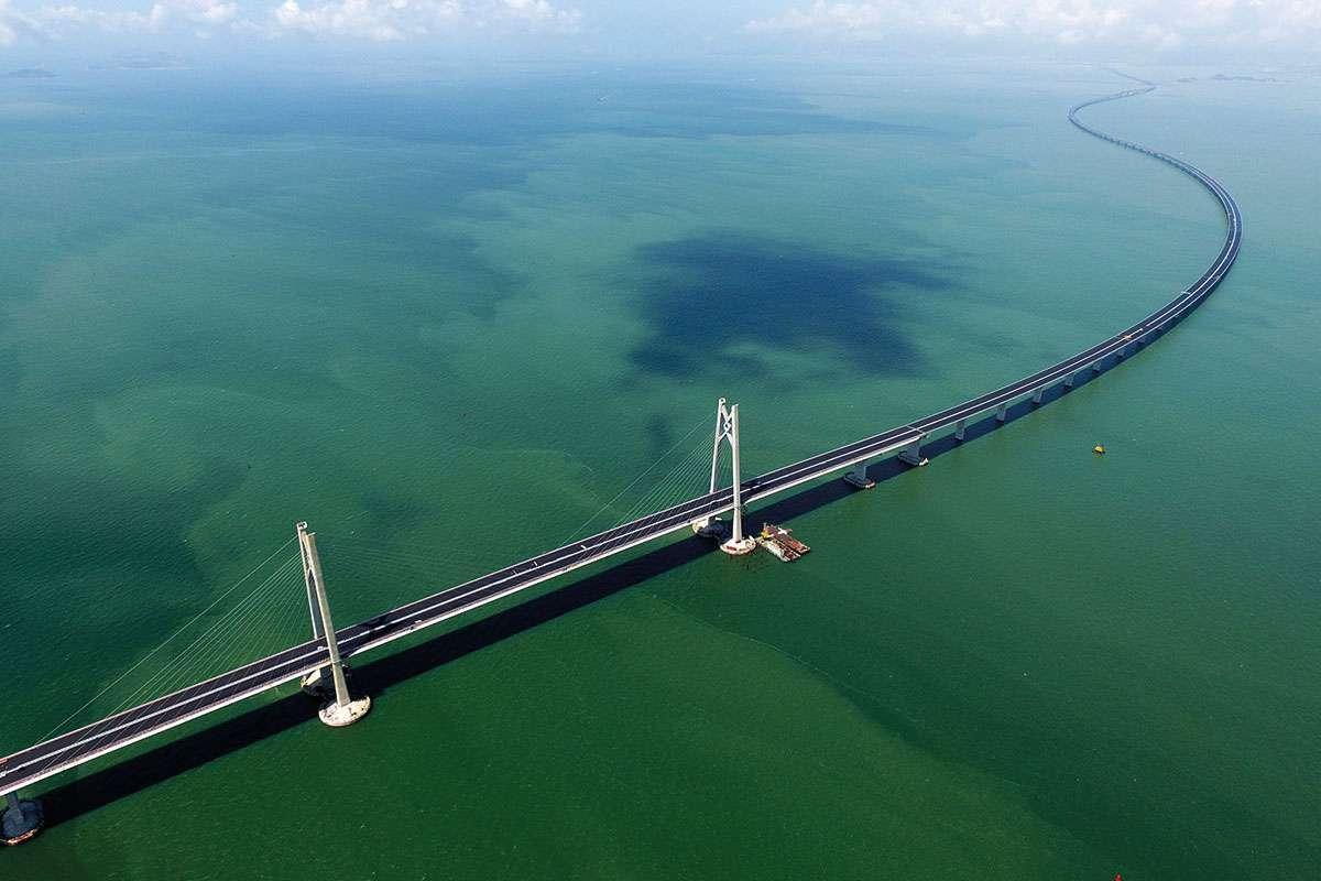 World's longest sea bridge opens between Hong Kong and mainland China https://t.co/AVatW36AEO