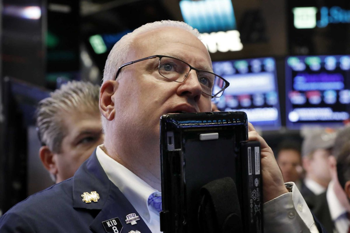 Stocks plunge over 300 points in early trading https://t.co/hLFjruuW4M