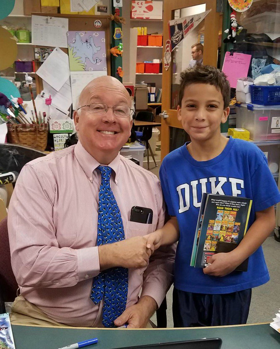 Who Would Win? It's students <a target='_blank' href='http://twitter.com/APSDrew'>@APSDrew</a> with author Jerry Pallotta <a target='_blank' href='http://twitter.com/APSVirginia'>@APSVirginia</a> <a target='_blank' href='http://twitter.com/APSLibrarians'>@APSLibrarians</a> <a target='_blank' href='http://twitter.com/MrsBlackatDrew'>@MrsBlackatDrew</a> <a target='_blank' href='http://search.twitter.com/search?q=APSisAwesom'><a target='_blank' href='https://twitter.com/hashtag/APSisAwesom?src=hash'>#APSisAwesom</a></a> <a target='_blank' href='http://search.twitter.com/search?q=whowouldwin'><a target='_blank' href='https://twitter.com/hashtag/whowouldwin?src=hash'>#whowouldwin</a></a> <a target='_blank' href='https://t.co/zbTn83PVzi'>https://t.co/zbTn83PVzi</a>