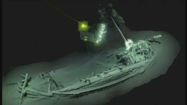 Oldest intact shipwreck found 2 km down in Black Sea, scientists say (via @CBCTechSci)  https://t.co/CGDUcyXJGW