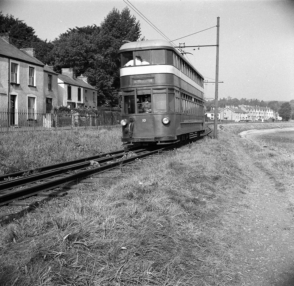 DqNJMM4XcAEY5wq - By Rail to the Mumbles