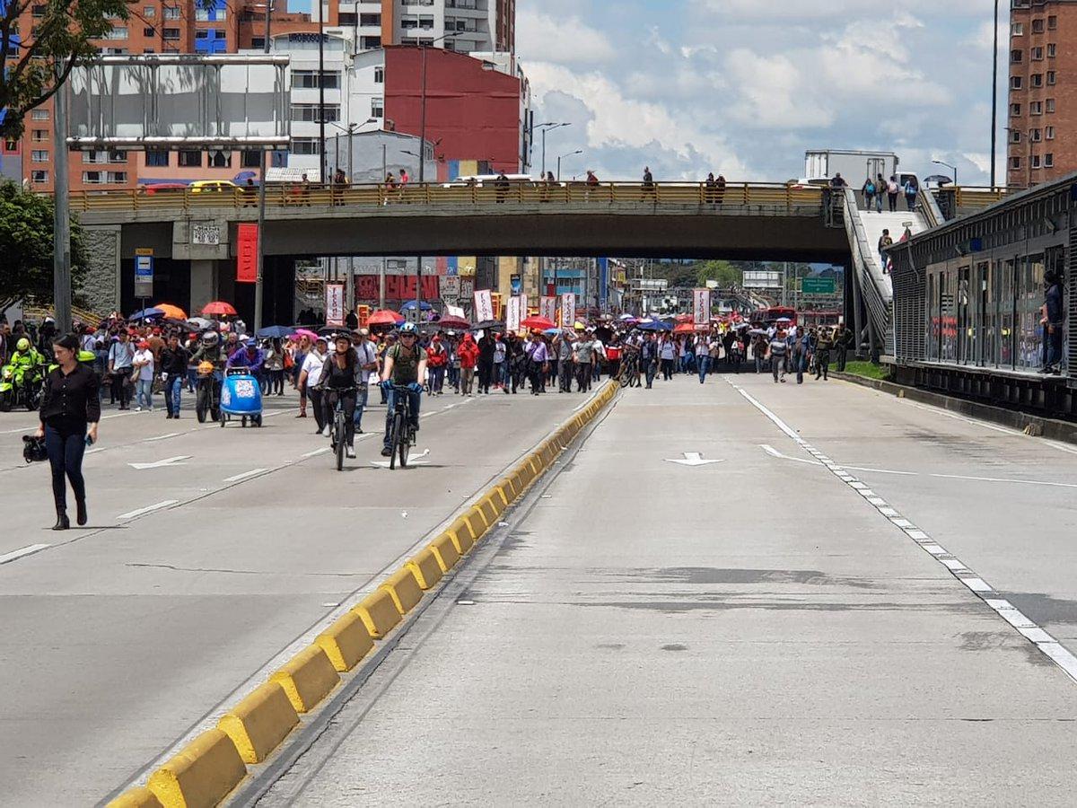 Canal Citytv On Twitter Citylecuenta Avanzan Las Movilizaciones Por La Avenida Calle 26 Con Carrera 30 Recuerden Que La Estacion Ciudad Universitaria De Transmilenio Se Encuentra Cerrada Asi Como El Resto