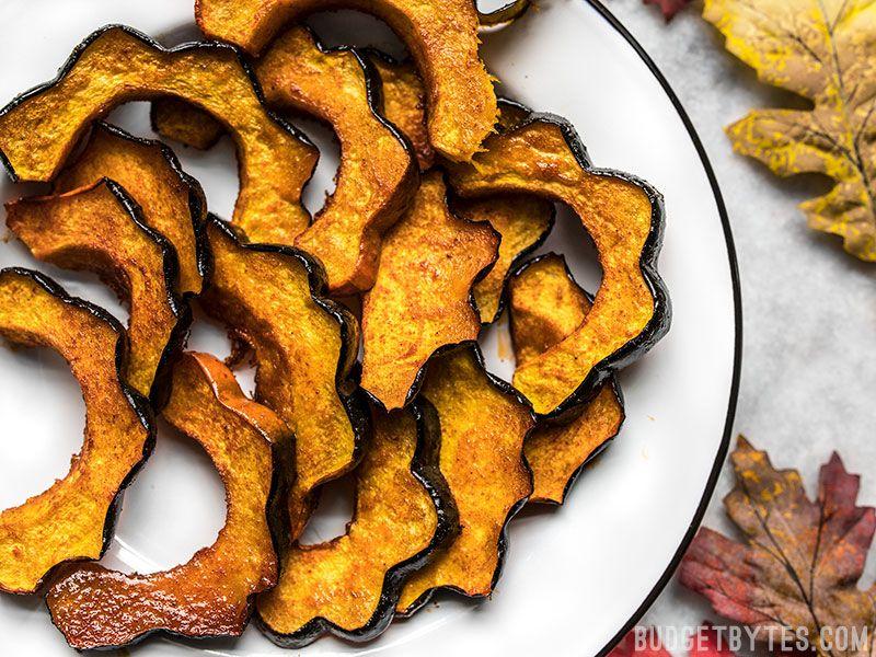 Smoky Maple Roasted Acorn Squash https://t.co/K34gBKaYBn #fall #cooking #recipe https://t.co/CGz6mX4zWZ