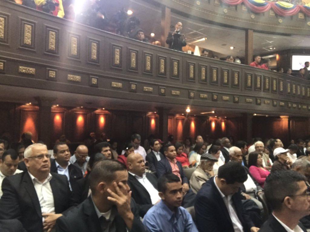 #EnDirecto 🔴  @dcabellor sobre Xoan Noya: No lo recordemos en pasado, recordémoslo en presente y en futuro   #VenezuelaPaísComunal