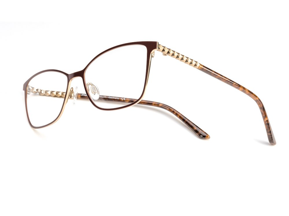 98471ff04fe ... a straight-line design across the front with its feminine square  lenses.  OWP  german  fashion  elegance  2020mag   eyewearpic.twitter.com SMnYplkyMj