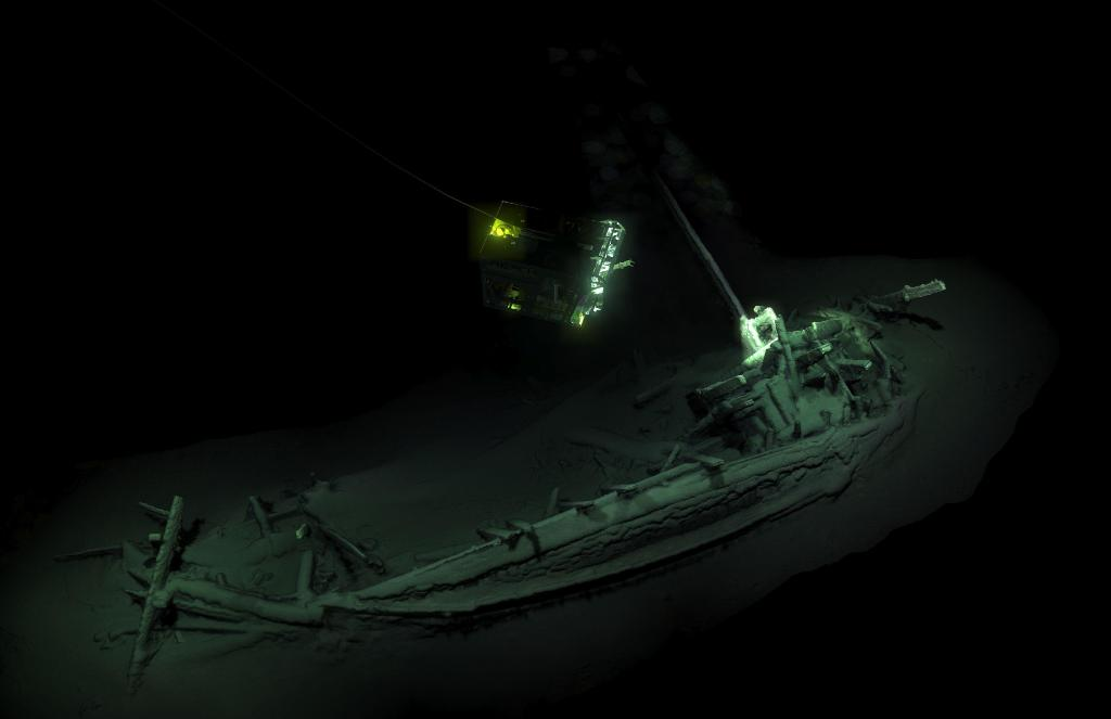 World's oldest intact shipwreck discovered in the Black Sea. https://t.co/whND2Tt2on