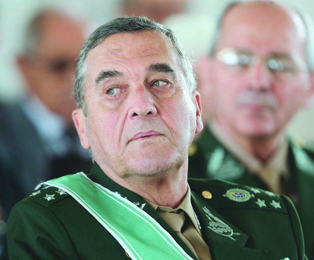 Exército pede que MP Militar investigue vídeo com ofensas a ministra #eleições2018 #exército https://t.co/anhk97LIJS
