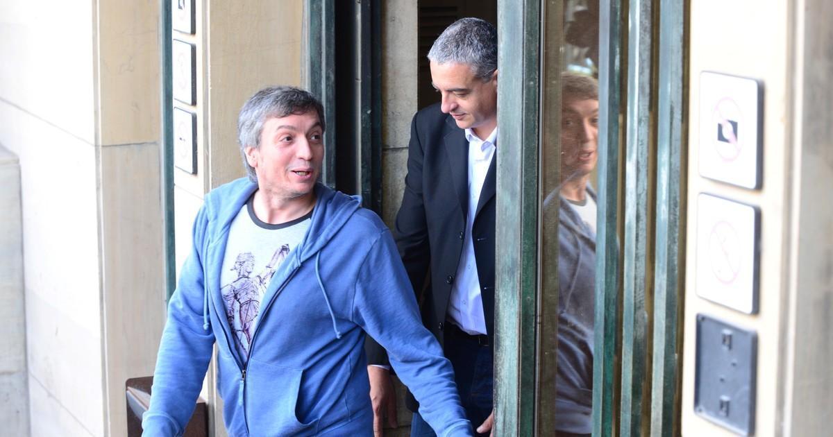 El mensaje que encierra la remera que eligió Máximo Kirchner para ir a Tribunales https://t.co/jYLzDBgb0W