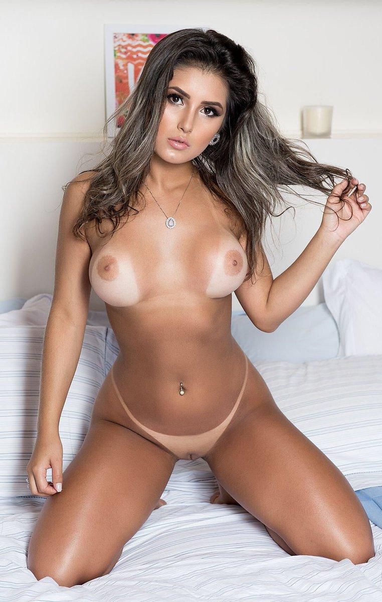 Milan rede female model profile