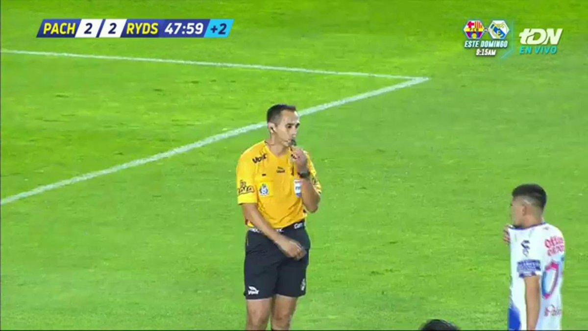 ¡Nos vamos al descanso!  ¿Quién jugó mejor la primera mitad?  @Tuzos 2-2 @Rayados   EN VIVO por TDN y TDcom https://t.co/IOgxrhlToL