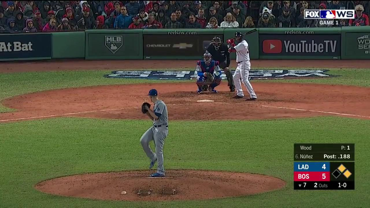 That ball is GONE!  Eduardo Núñez off of the bench with a HUGE 3-run home run for the @RedSox! https://t.co/2ZflauSvtw