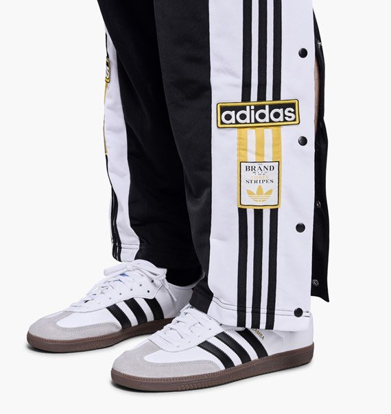 new arrival ecb1f 56340 OG Adibreak track pants now available online. httpsm.caliroots.comadidas -originals-og-adibreak-tp-cz0679p106993 …pic.twitter.comd2QKHmiYcg
