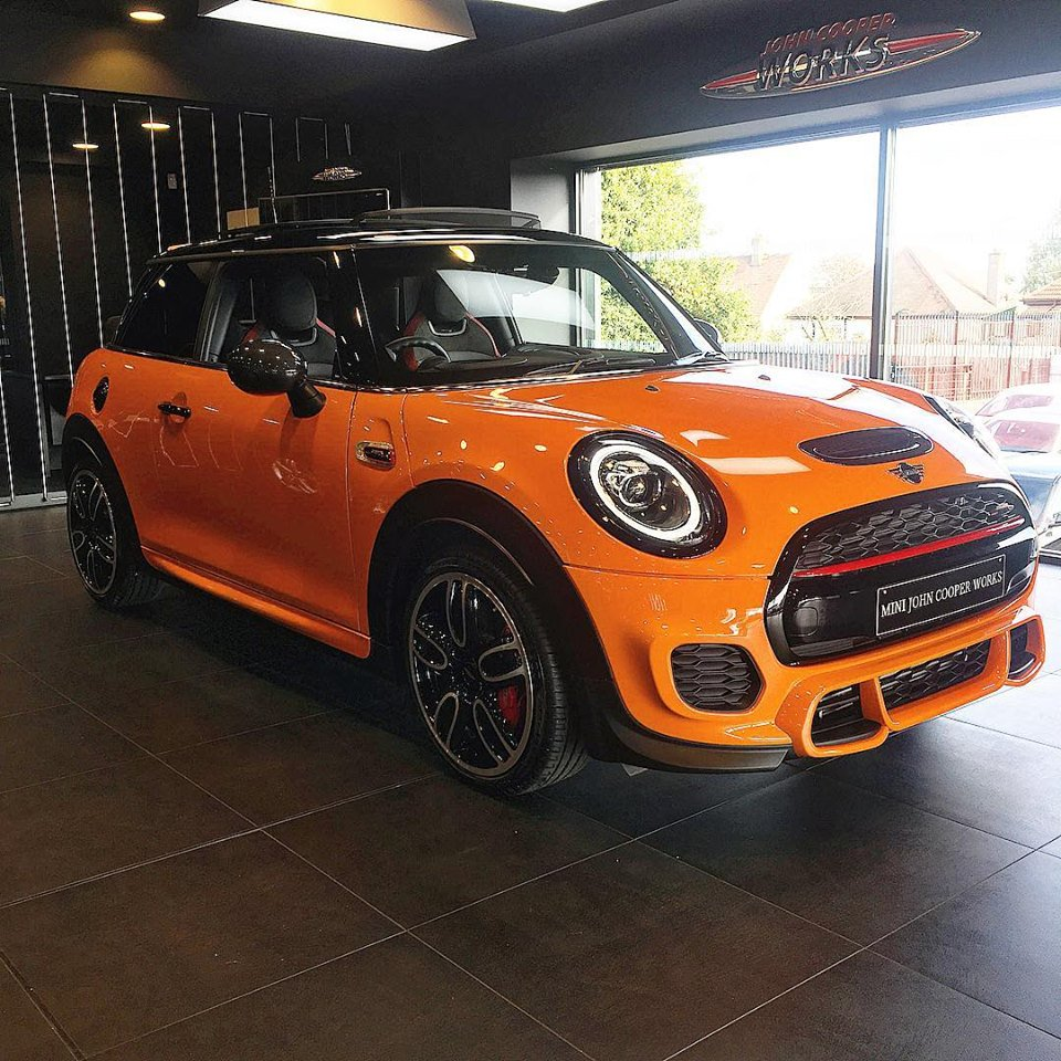 Fairfield Mini On Twitter The Individual Jcw In Fire Orange Has