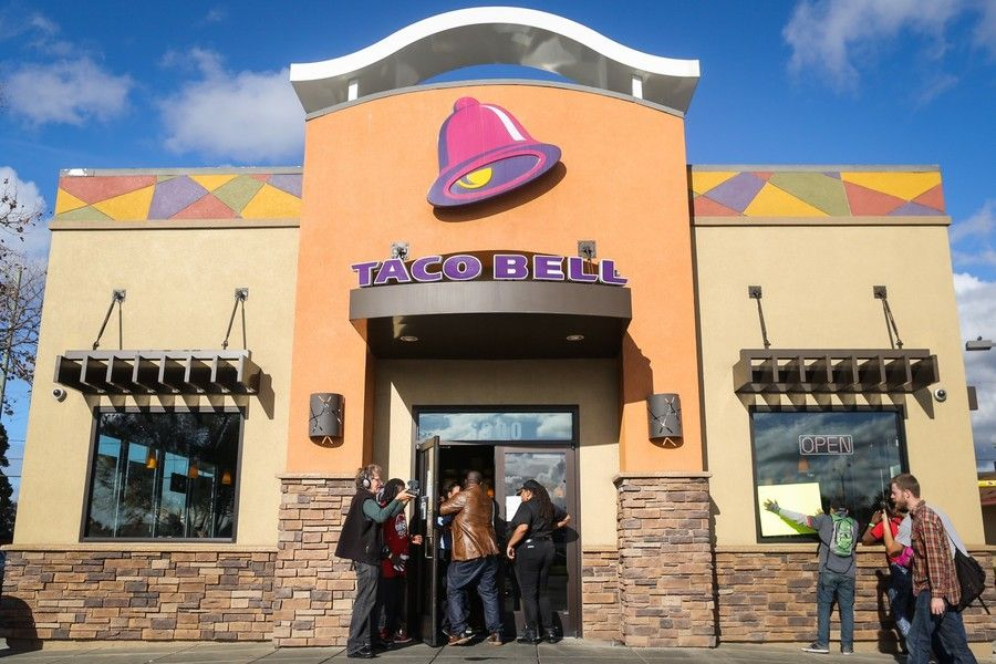 a710e9ff0 stolen base in world series leads to free tacos from taco bell on nov 1