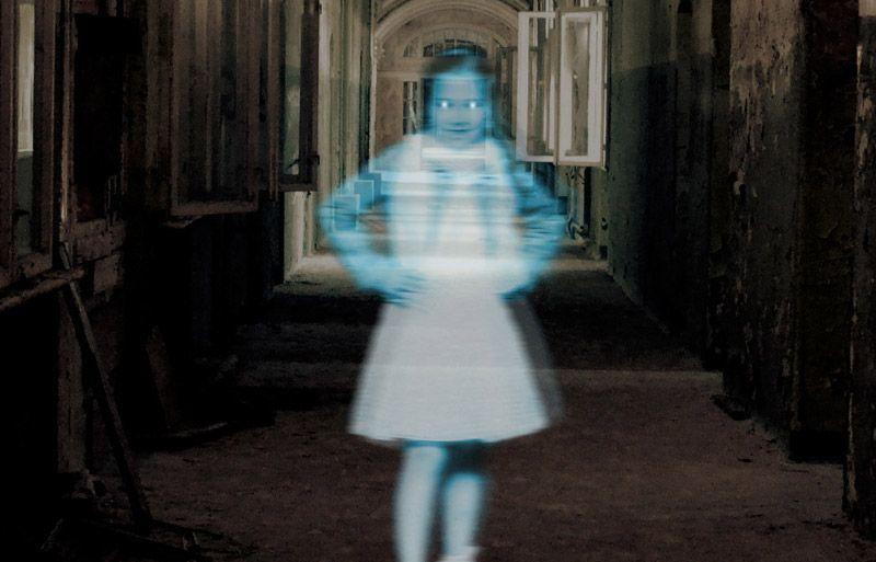 18 Creepy #Halloween #PhotoshopTutorials  https://buff.ly/2yZs4ex