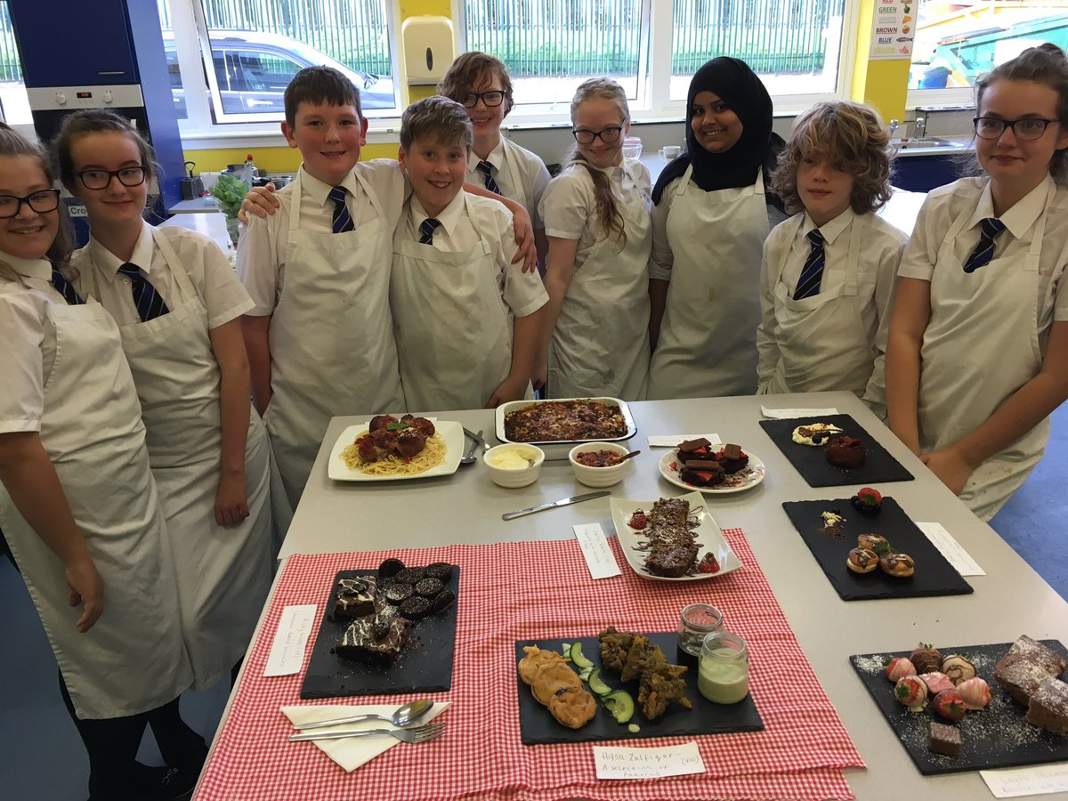 Future Chef competition.  Amazing food and such enthusiastic cooks!  #hungry #needarunafter #futuremichellinstar https://t.co/g8wUhsvTPP
