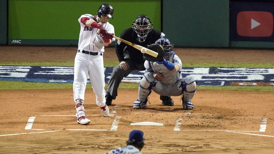 Lefties, not left out in Red Sox 8-4 Game 1 World Series win #DirtyWater #MLB https://t.co/ncsrfeC2uo