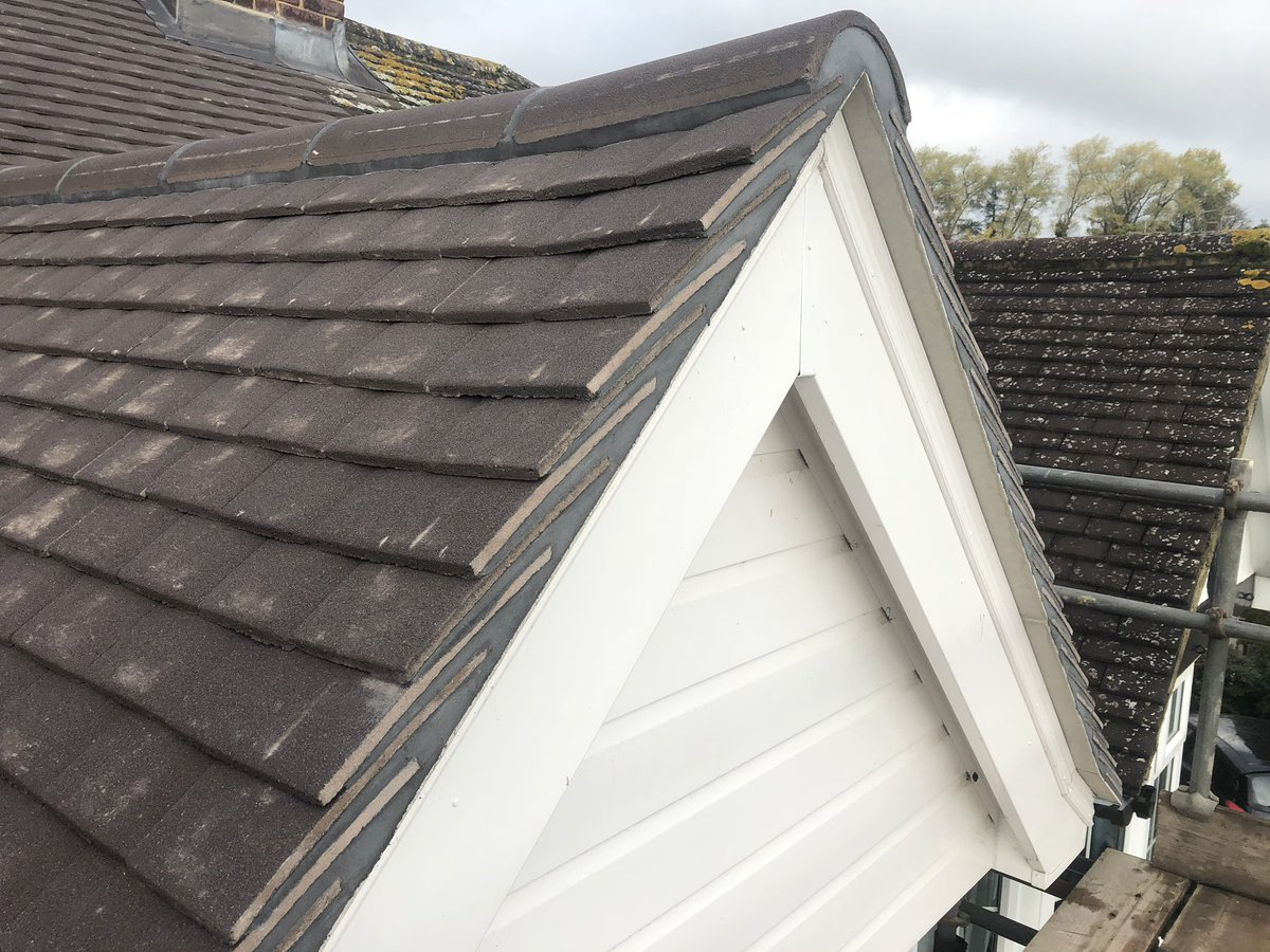 Twitter À¤ªà¤° Dunning Evans Re Roof In Dorking Complete Re Felt Batten Tile Chimney Lead Flashing Replaced Old Felt Flat Roof Renewed In Single Ply Rubber Another Job Done