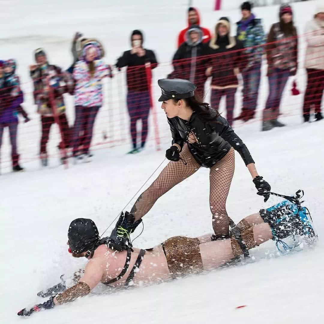 スノーボードの季節ですね!こんなボードがあったなんて・・・衝撃がすごいwww