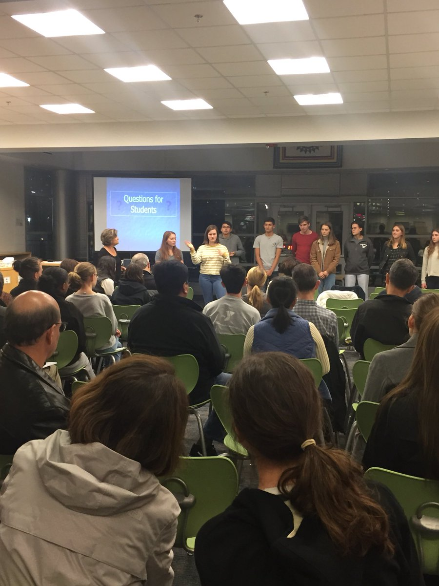 Thanks to great group of W-L students sharing about exciting opportunities available over summer <a target='_blank' href='http://twitter.com/teacherburgos'>@teacherburgos</a> <a target='_blank' href='https://t.co/Aeh4GaS5u1'>https://t.co/Aeh4GaS5u1</a>