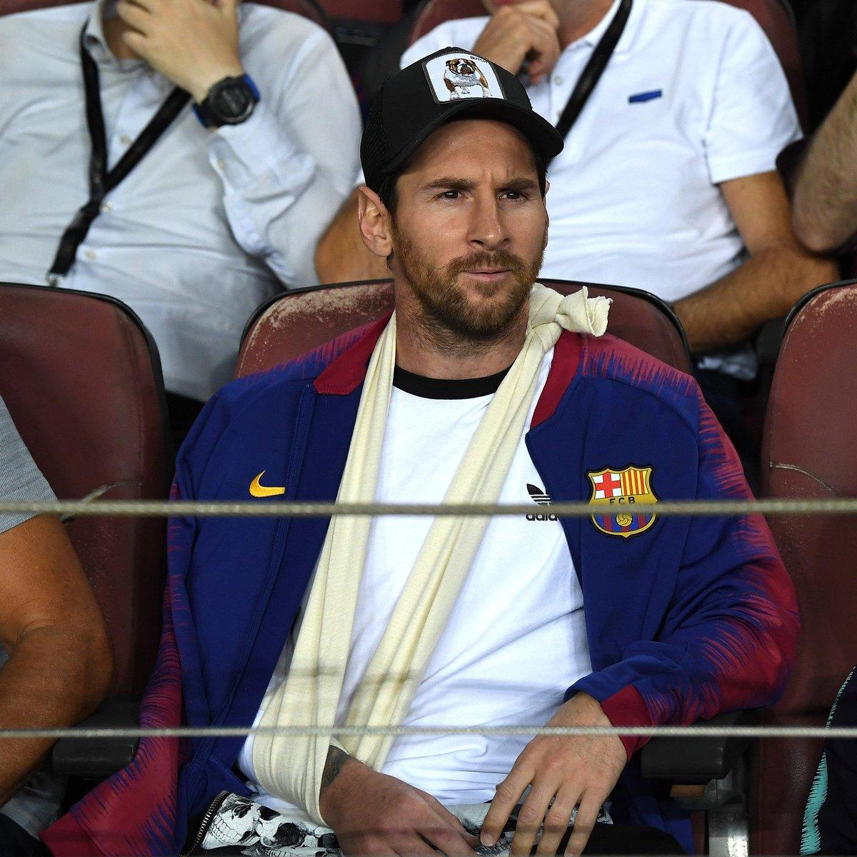 7676471c81ffe Messi rockin  the Butch trucker baseball cap from Goorin Bros. tonight.   FuerzaLeopic.twitter.com kuCM0WDMus