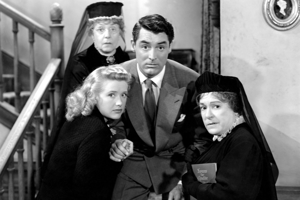 arsenic and old lace plot