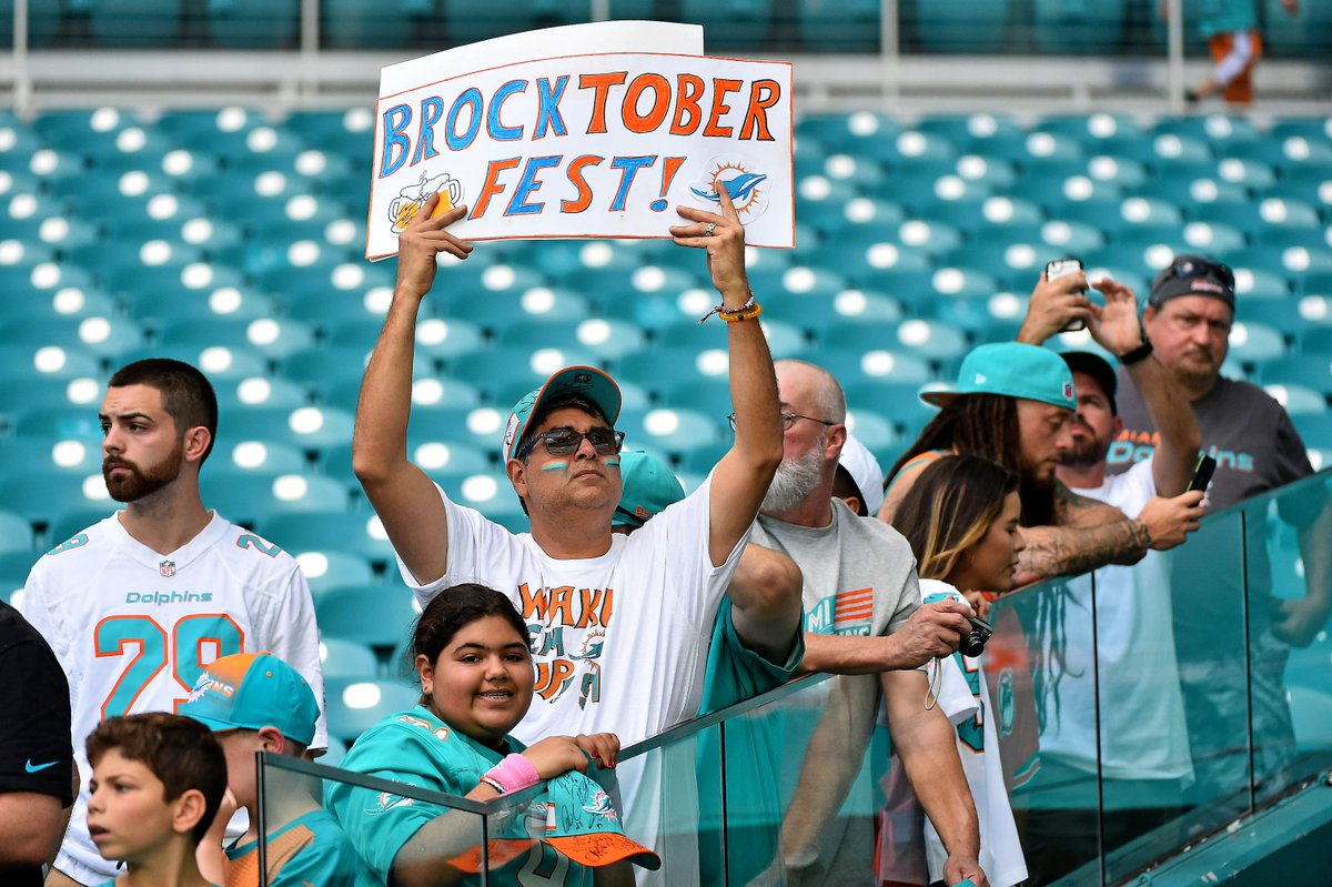 #Texans-#Dolphins Thursday Night Football 2018: Schedule, Game Time, TV Channel, Radio, And Online Streaming.  https://www. battleredblog.com/2018/10/24/180 14884/texans-dolphins-thursday-night-football-schedule-game-time-tv-channel-radio-and-online-streaming?utm_campaign=battleredblog&utm_content=chorus&utm_medium=social&utm_source=twitter  … <br>http://pic.twitter.com/2EPfhqPhfE