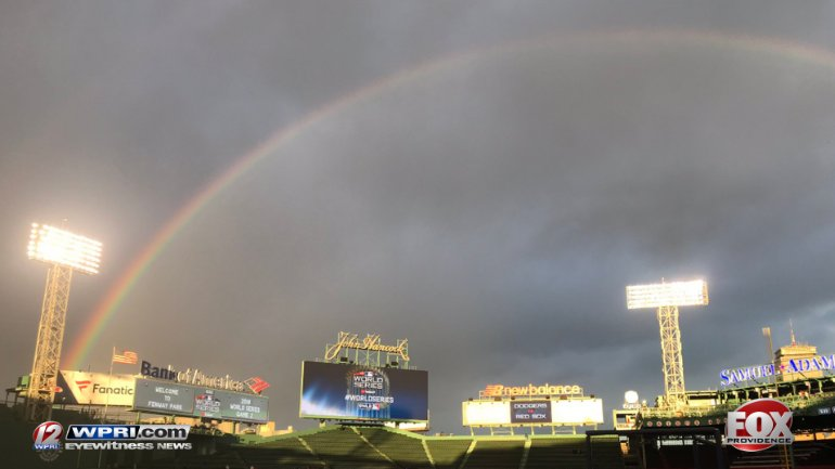 🌈🌈🌈 For the second night in a row - a rainbow stretched over Fenway. Could it be a sign? #DoDamage #RedSox #ChampionshipChase 🌈🌈🌈