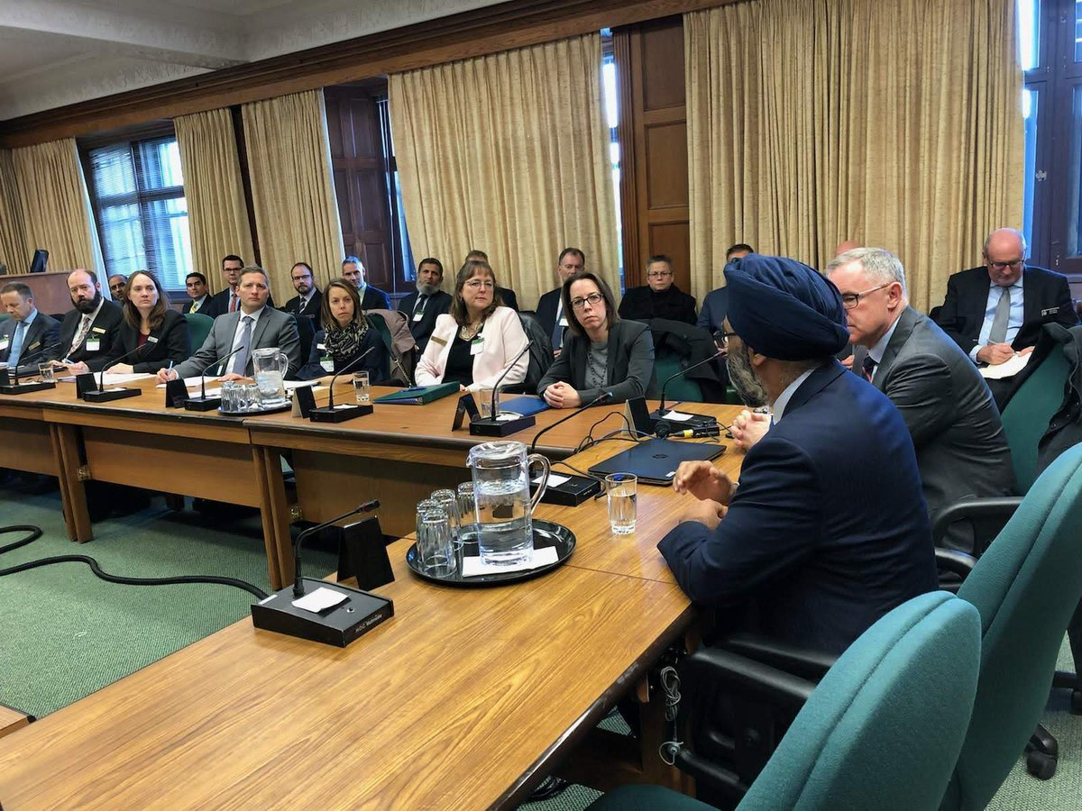 Heureux de parler aux membres du Programme de sécurité nationale cet après-midi. Ce groupe de leaders comprend des membres de nos @ForcesCanada, de la fonction publique et du secteur privé qui travaillent ensemble pour protéger les Canadiennes et Canadiens.