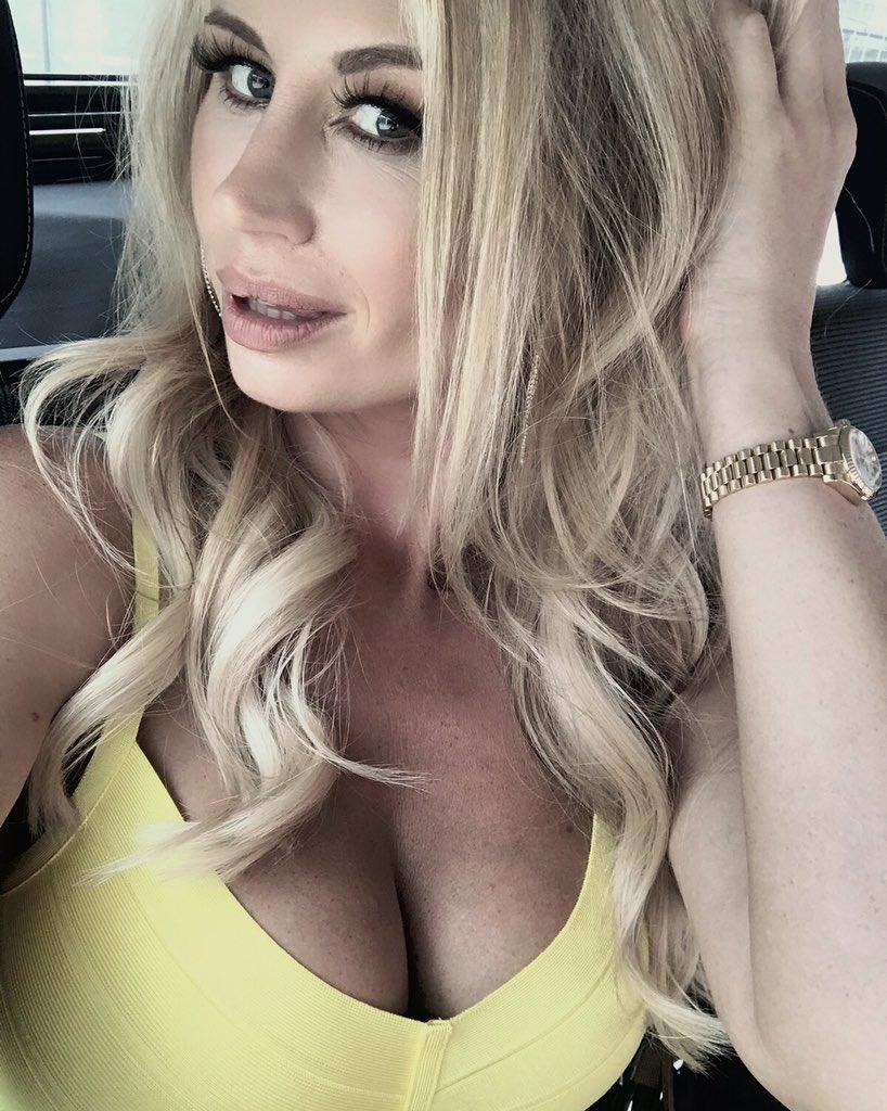 Ester Dee Hot new pics