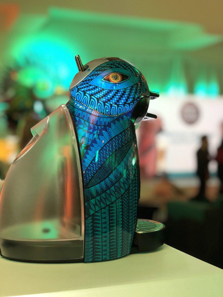 Artesanos de San Martín Tilcajete, Oaxaca, crearon el diseño de la nueva cafetera @dolce_gustomx, inspirados en los alebrijes. Sólo habrá 30 mil disponibles a la venta en México. #DolceGustoEsMéxico https://t.co/YQ3b82kM0T