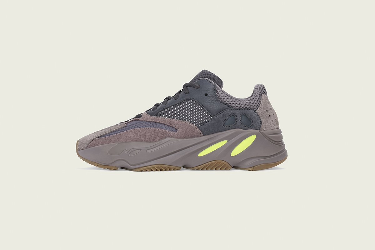 """ba3a55cd5585b Everywhere you can cop the YEEZY Boost 700 """"Mauve"""" this weekend   http   s.hsnob.co NH7Yeq2 pic.twitter.com XweQK2uyFZ"""