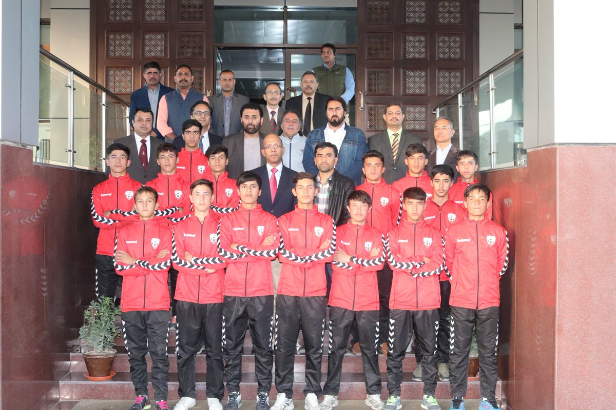 Ambassador @vkumar1969 hosted a tea for the Afghan U-14 boys football team which will be participating in the 58th Subroto Cup in #India.As Defending Champions they play their inaugural match today.We wish them best of luck @IAF_MCC @SubrotoCup @theaffofficial #football