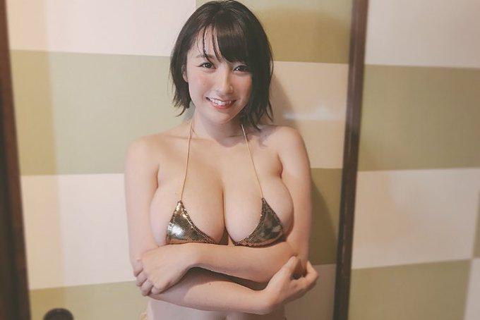 グラビアアイドル紺野栞のTwitter自撮りエロ画像47