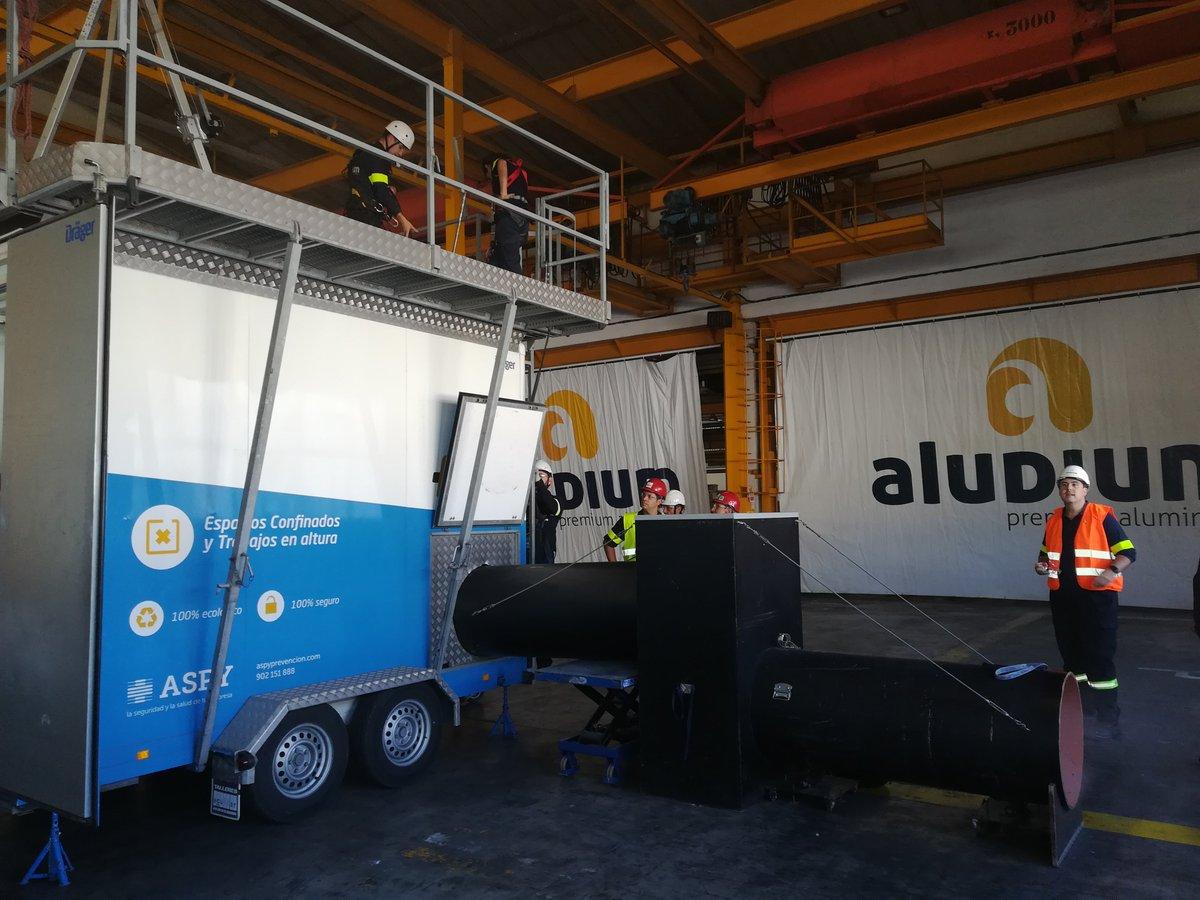 test Twitter Media - @ASPYPrevencion ha participado en la Semana de la Seguridad en @aludium en un simulacro de rescate en espacios confinados. #formacionpractica https://t.co/D8I3RFNX2t