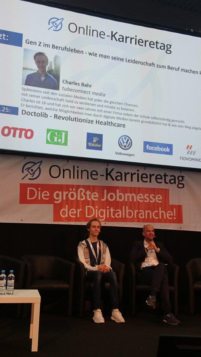 @EinfachCharles, einfach inspirierend! Mit 16 das eigene, sehr erfolgreiche Unternehmen (@tubeconnect), rasant wachsend! #okt #hamburg https://t.co/WwKY9HxAOW