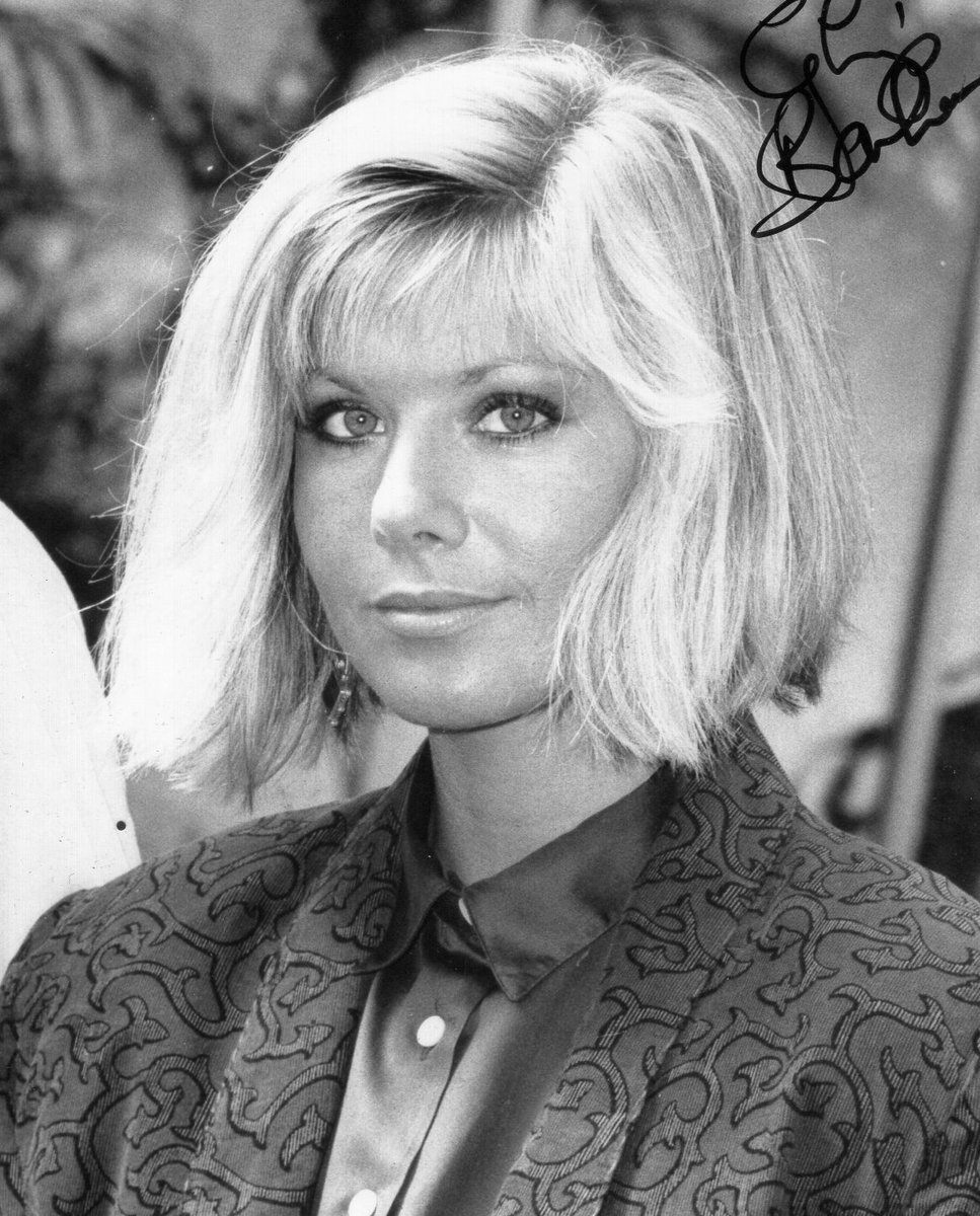 Happy birthday to actress Glynis Barber. Here an autograph from my collection and a flyer for #Pantomime in which she played The Bad Fairy and my dad played The King, so yes, I got to meet her! (Men of a certain age, eat yer hearts out!) #DempseyAndMakepeace <br>http://pic.twitter.com/Foyna8Rtax
