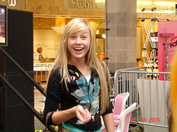I USED TO LOVE THE MALL AND NOW I CANT BRING MYSELF TO BRUSH MY HAIR *~*LyFe Is A jOuRnEy*~* #tbt