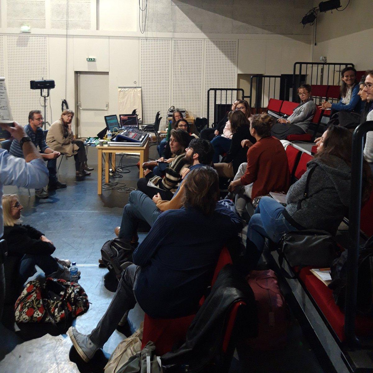 """👏👏 Bilan et fin de formation """"réflexion autour de la lumière dans un projet chorégraphique"""" avec Françoise Michel organisée avec le @Lepontsuperieur  #danse #dansecontemporaine #cndc #CNDCAngers #formation #formationcontinue"""