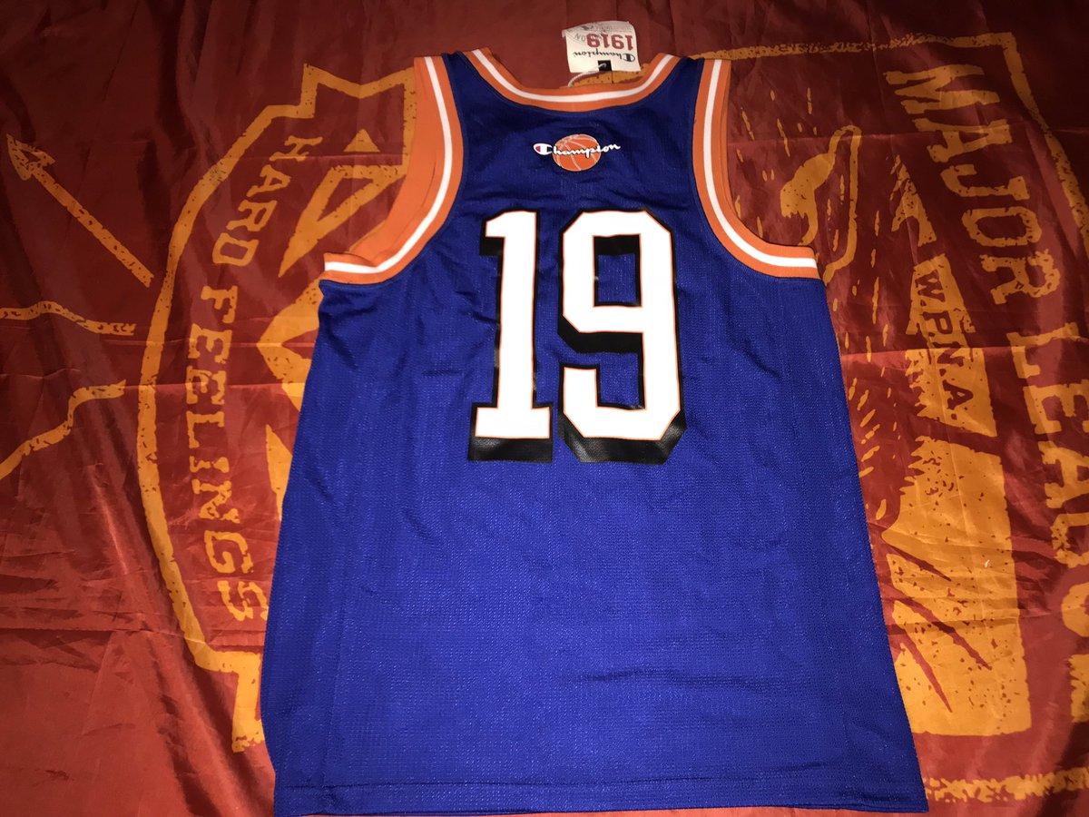 590cb321 ... #jersey #basketballjersey #depop #newyork #knicks pic.twitter.com/iYnB3whqHB