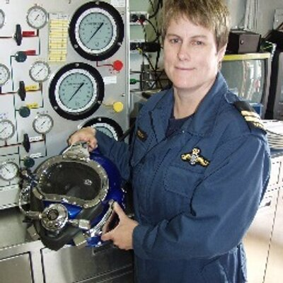 #DidYouKnow: In 1993, Lieutenant (N) Leanne Crowe became the first woman to qualify as a clearance diving officer and subsequently the first female Commanding Officer of the Experimental Diving Unit. #WomensHistoryMonth #MakeAnImpact  https://bit.ly/2NBxscM