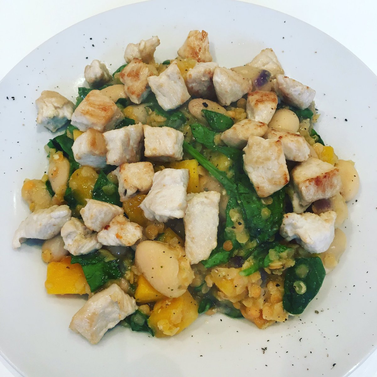 #Dinner - turkey, butternut squash, white bean and lentil winter warmer 🥄   https://t.co/7WeAvXVoKS https://t.co/HpbYLSzILO