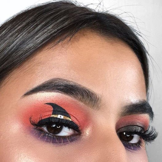 REPOST @ridimakeup Seen here wearing KISS lashes in #11
