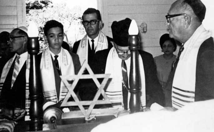 How anti-Black (Self-hate) in the Dominican Republic 🇩🇴 saved European Jews during the Holocaust.    At the 1938 Evian Conference, a convening of the leaders of 32 nations and numerous organizations to discuss the ...   #DominicanRepublic #WhiteSupremacy  https://t.co/rXe5oCT8LI