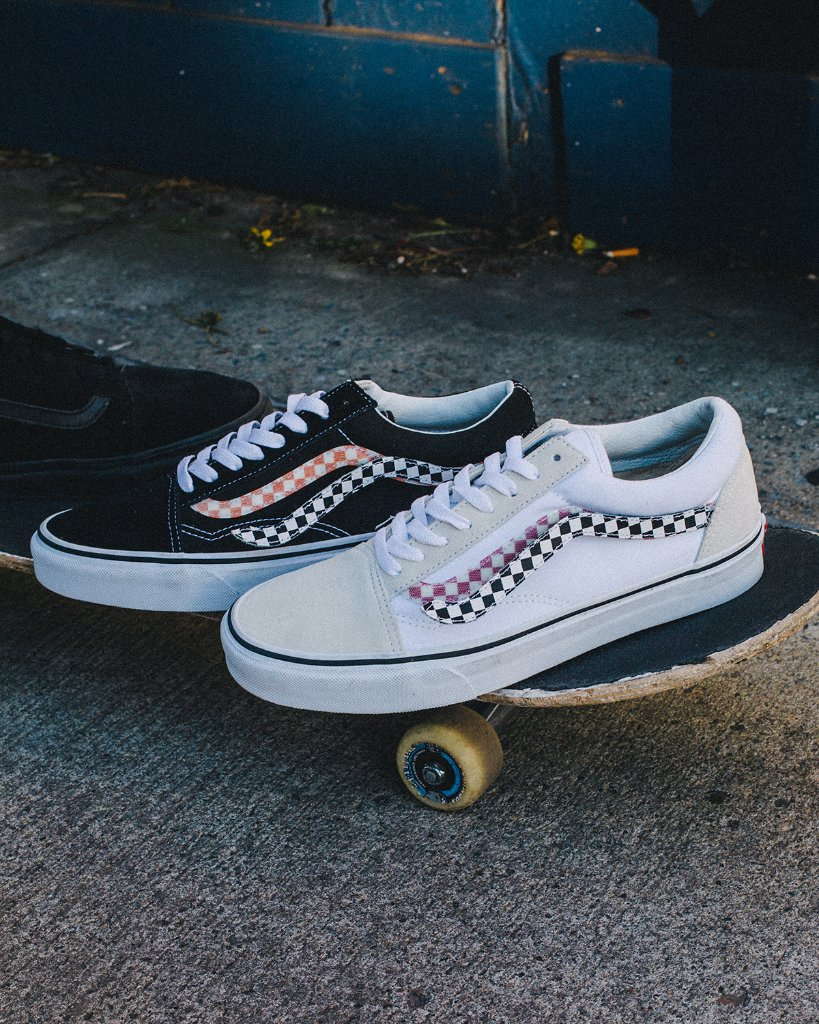 9268a4c5c9  Vans Old Skool Velcro Sidestripe Available Now