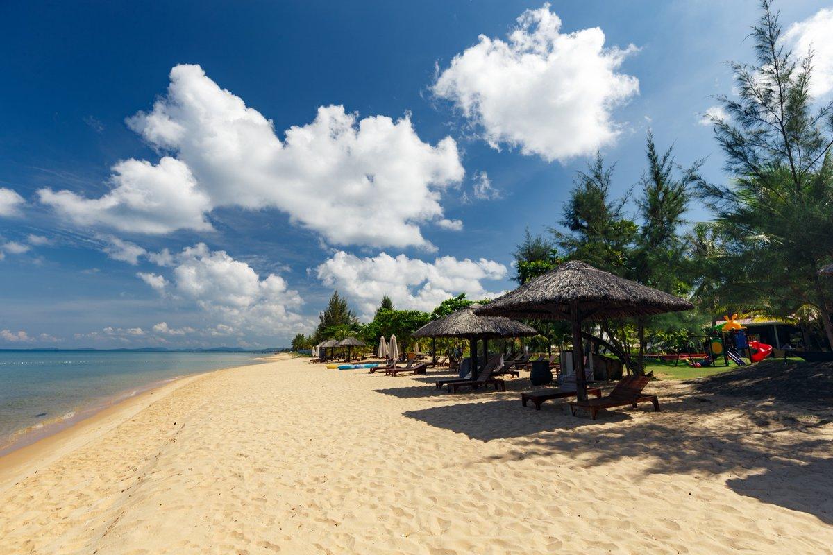 Beautiful Beach @MercuryPhuQuoc https://t.co/UH4h0vUNgK