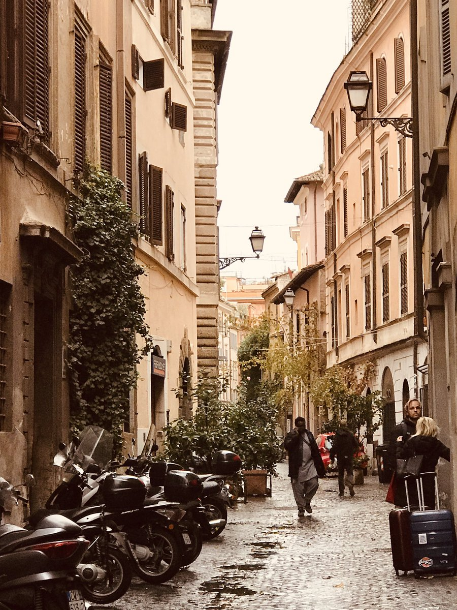 First ever trip to Rome and I'm totally smitten especially with the beautiful Monti area. #rome #monti #itsly