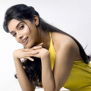Happy Birthday to beautiful diva AsinThottumkal!